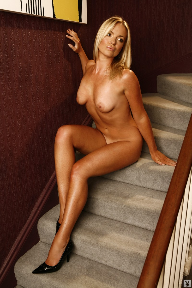 abigail-uk-cyber-girl-april-2011-playboy-19