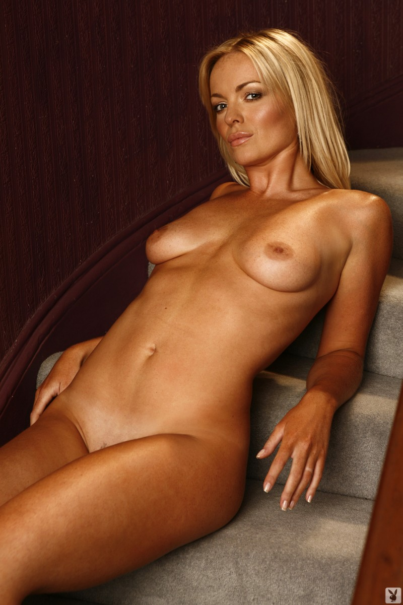 abigail-uk-cyber-girl-april-2011-playboy-20