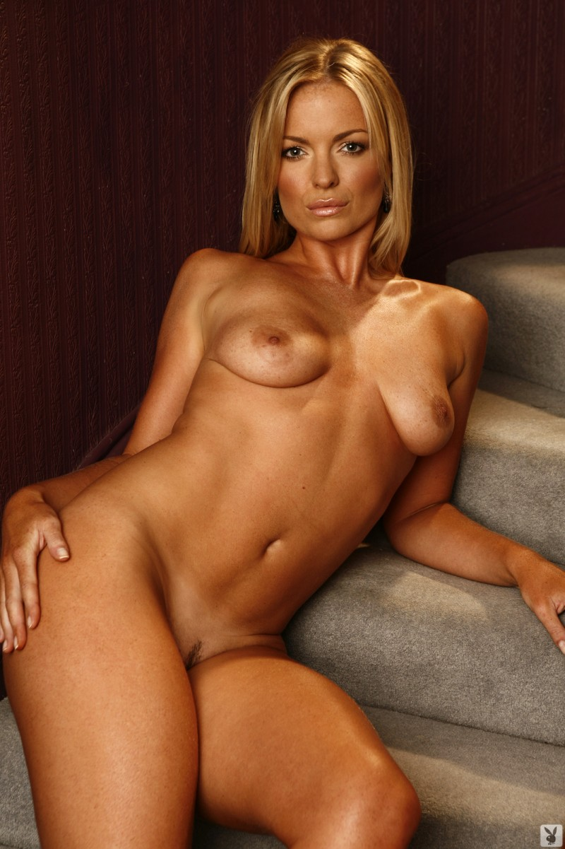 abigail-uk-cyber-girl-april-2011-playboy-22
