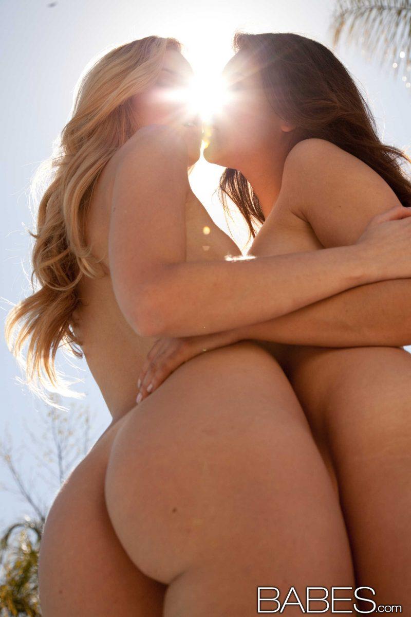 shyla-jennings-abigaile-johnson-bikini-pool-babes-29