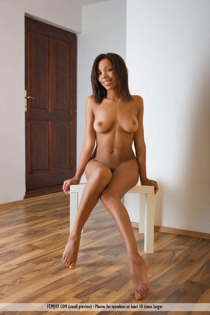 maci nude Femjoy
