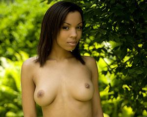 luciana-nude-garden-mcnudes