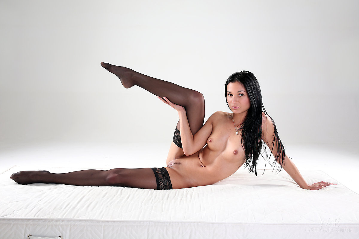alicia-black-stockings-brunette-nude-watch4beauty-14