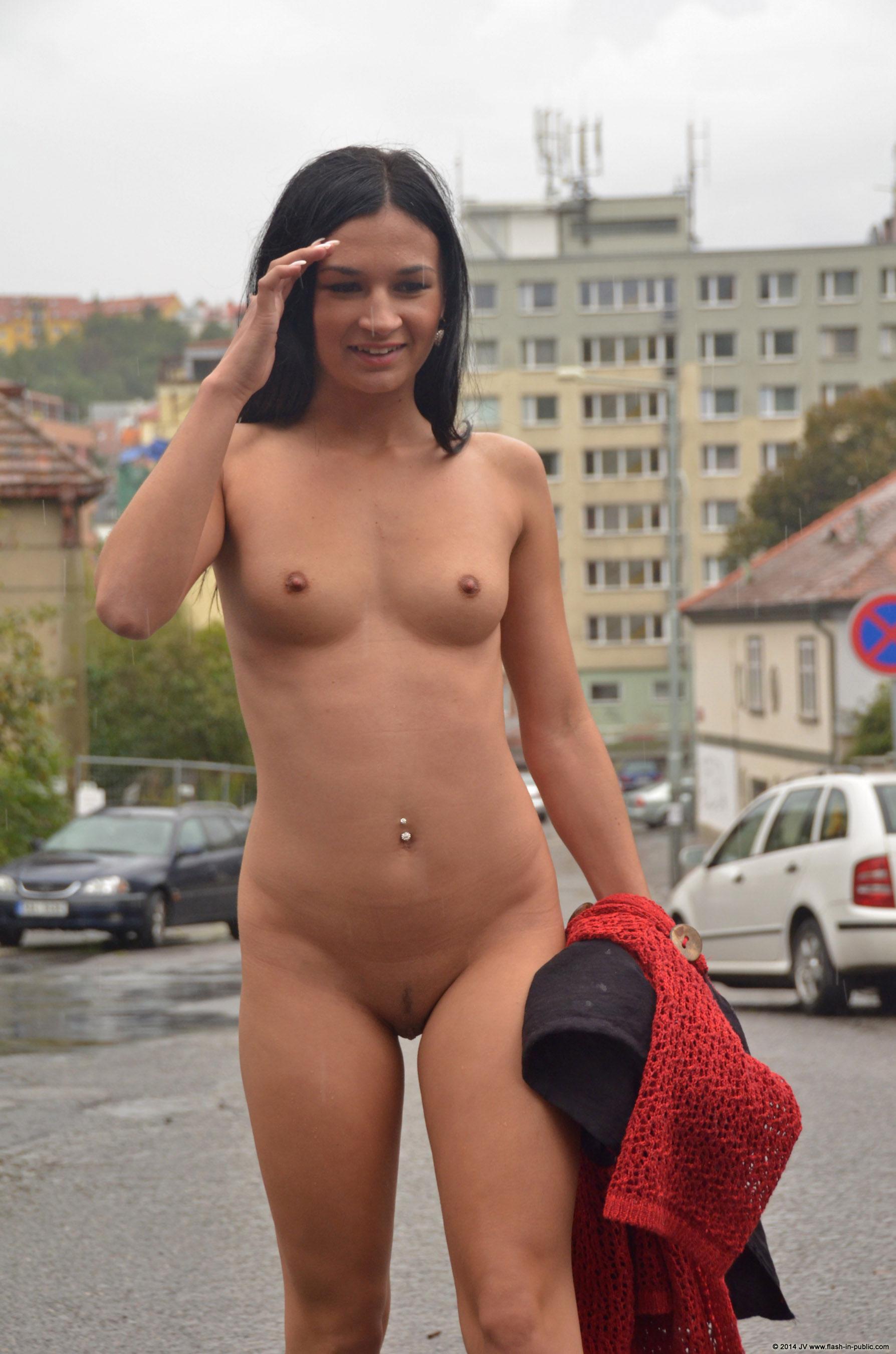 adela-brunette-nude-rain-wet-flash-in-public-24