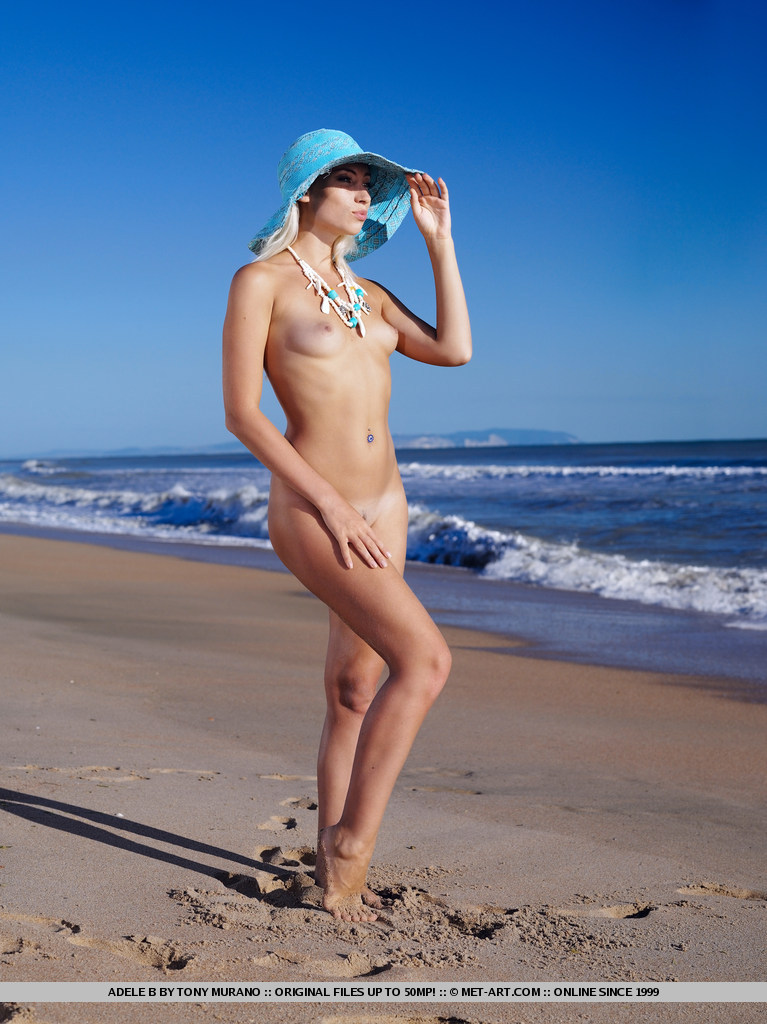 adele-b-seaside-nude-met-art-01