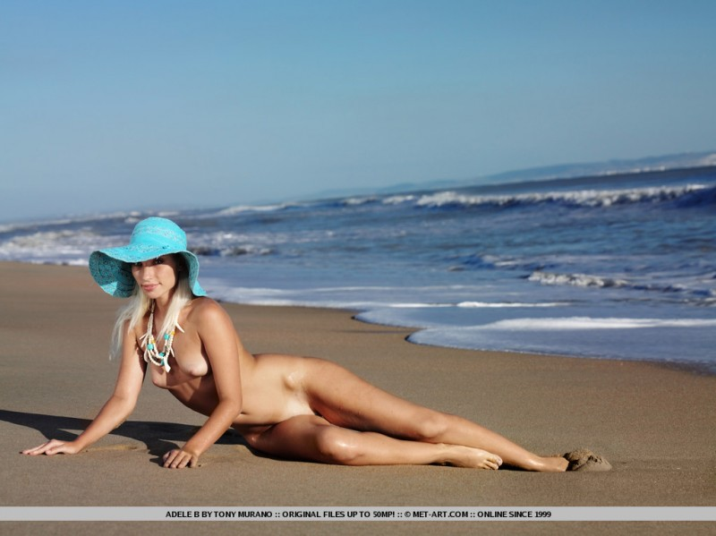 adele-b-seaside-nude-met-art-05