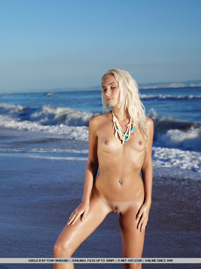 adele-b-seaside-nude-met-art-10