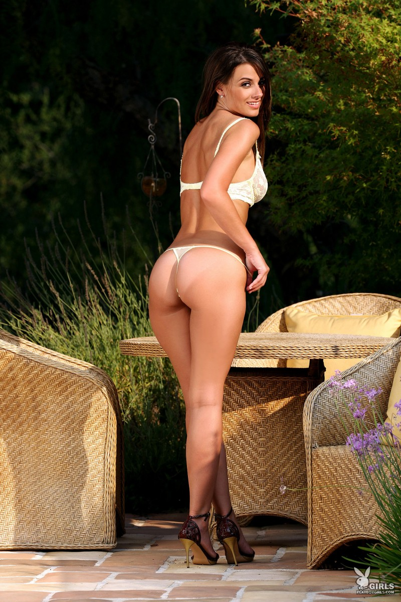 aden-bianco-all-naturals-playboy-03