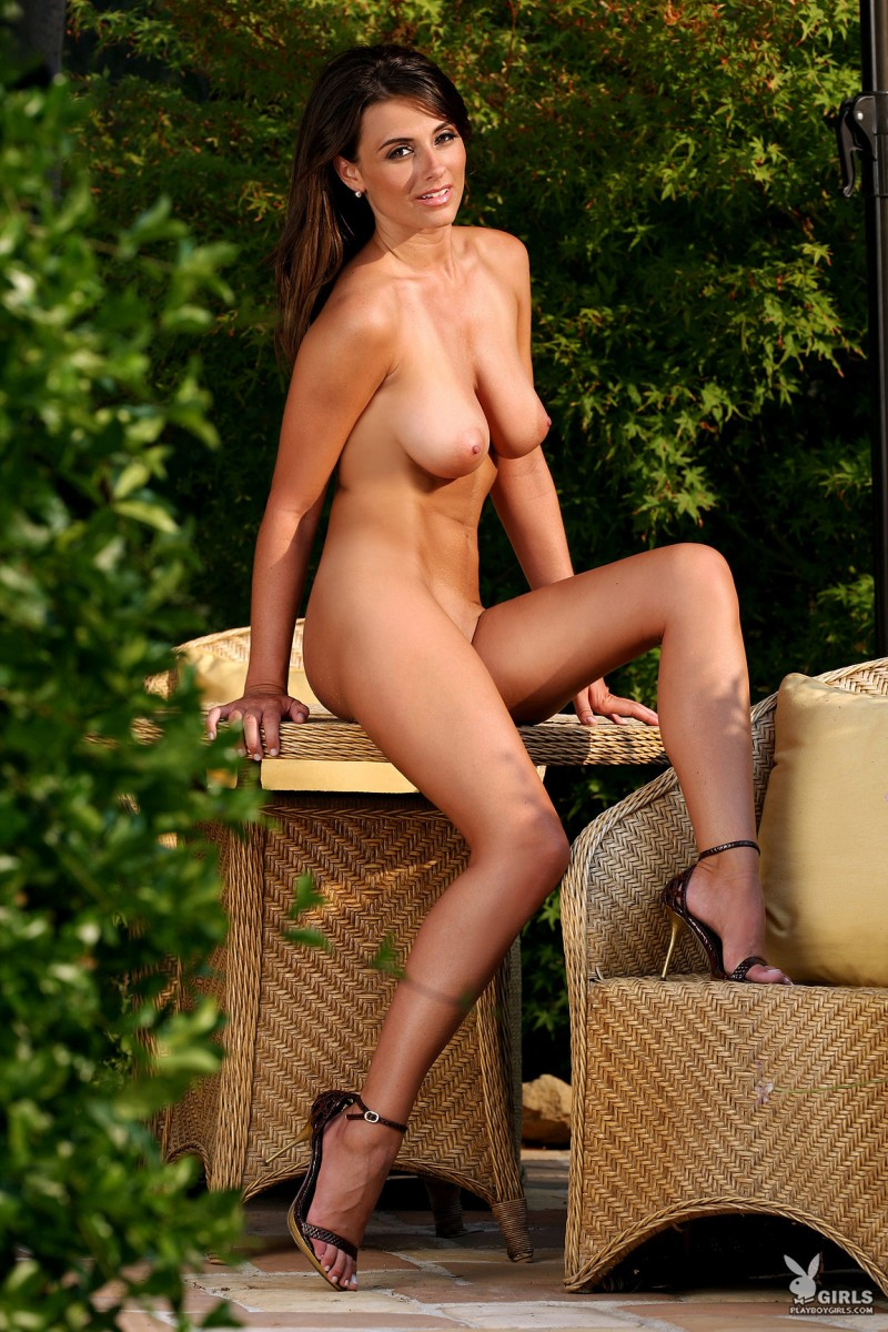 aden-bianco-all-naturals-playboy-10