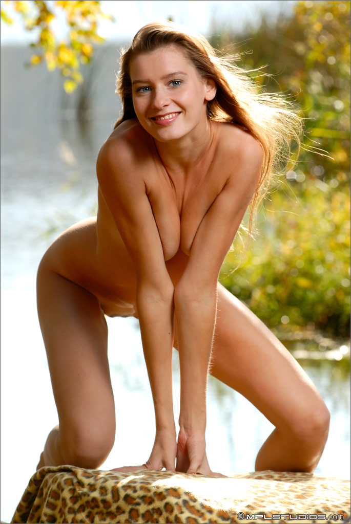 adriana-slim-body-girl-nude-lake-mplstudios-10