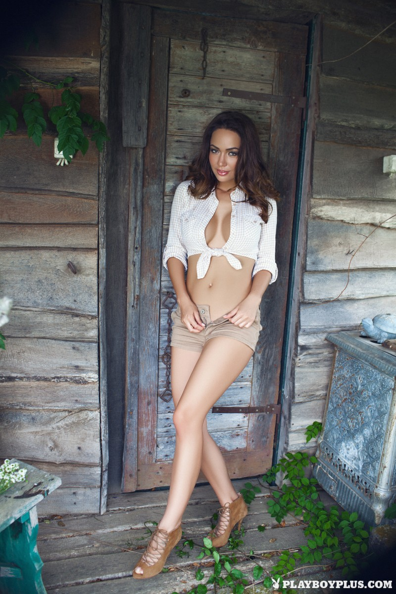 adrienn-levai-wooden-hut-playboy-05