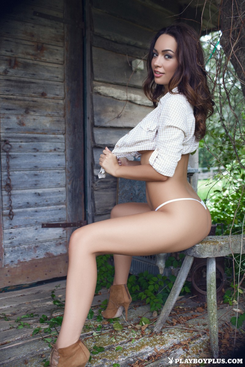 adrienn-levai-wooden-hut-playboy-06