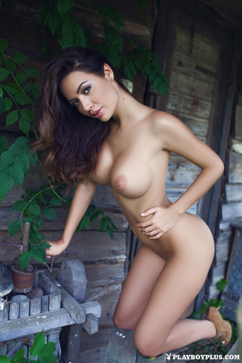 adrienn-levai-wooden-hut-playboy-20