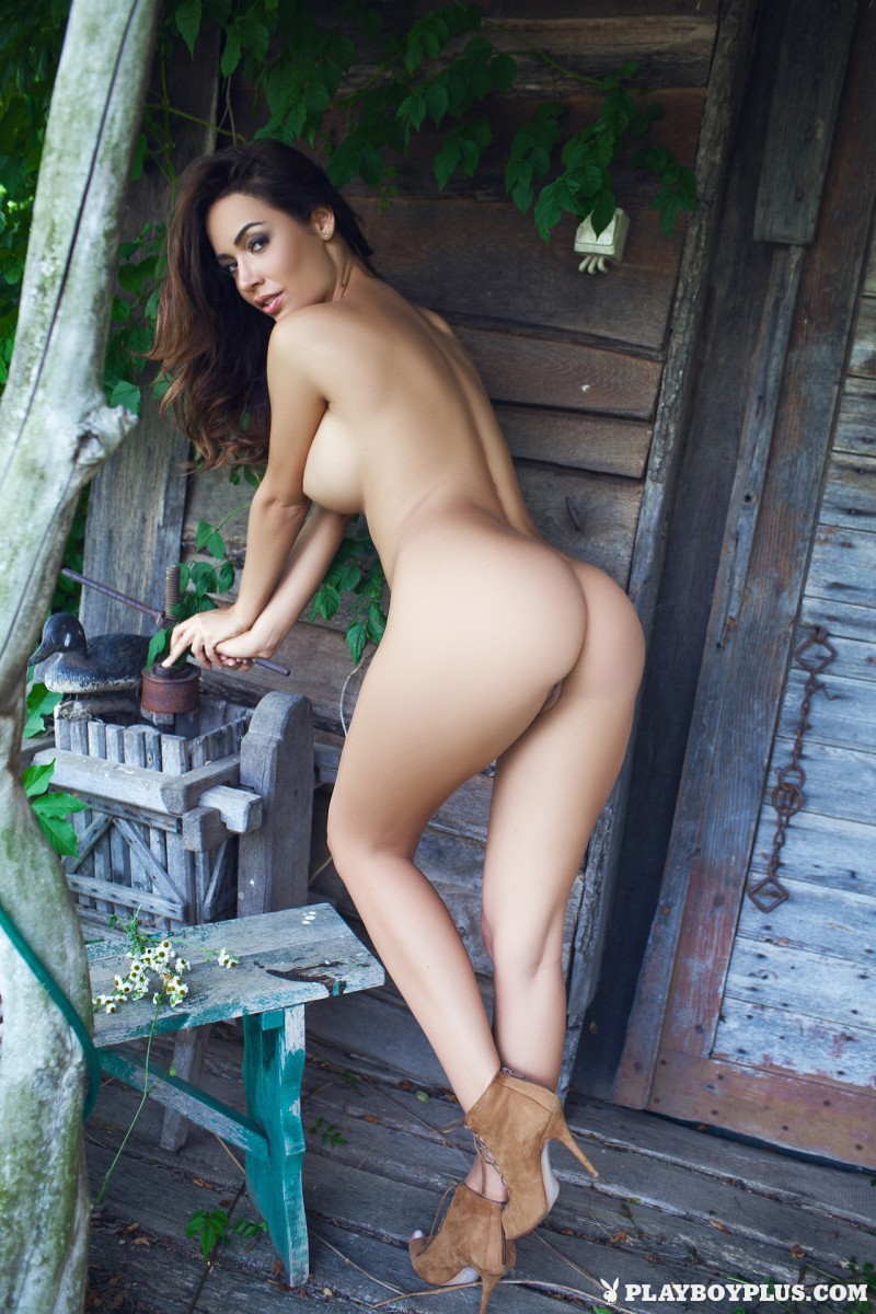 adrienn-levai-wooden-hut-playboy-21