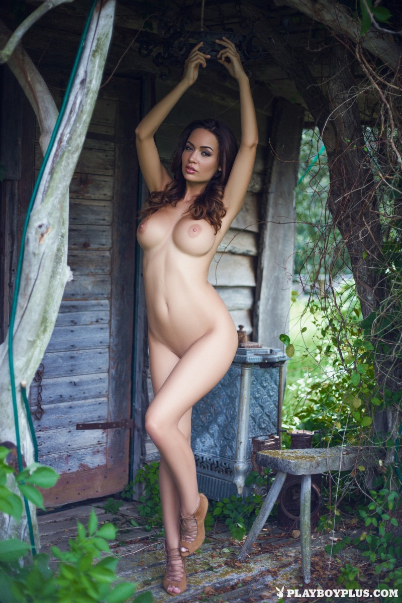 adrienn-levai-wooden-hut-playboy-29