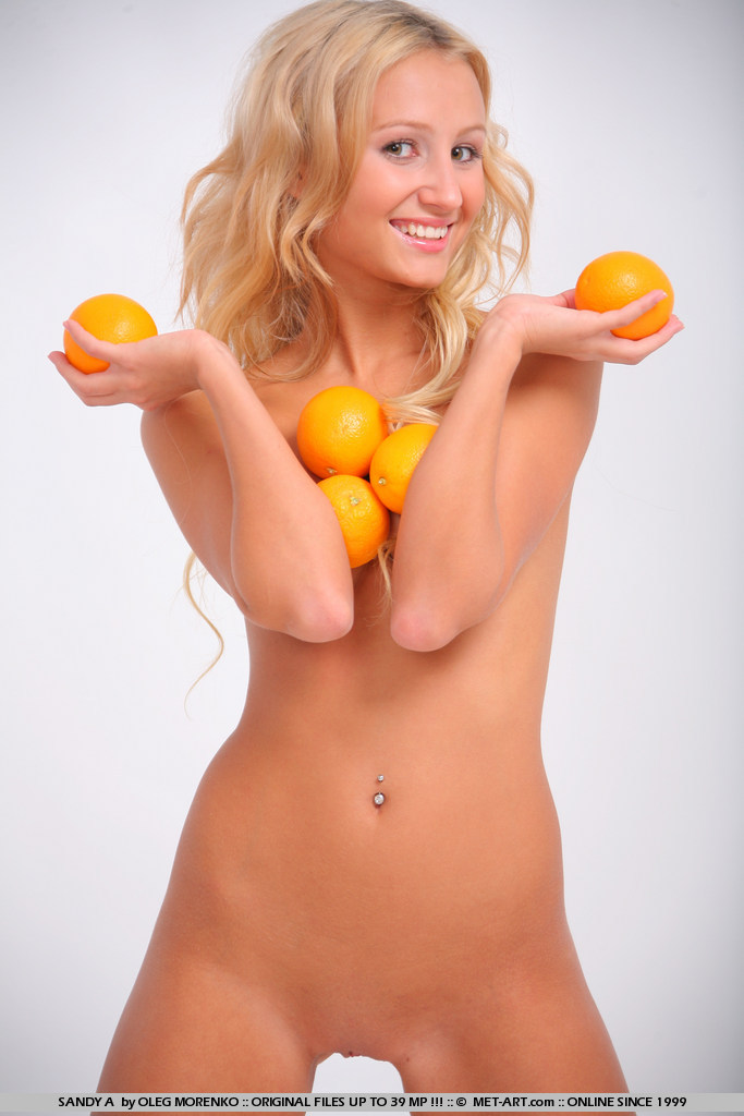 sandy-a-oranges-met-art-07