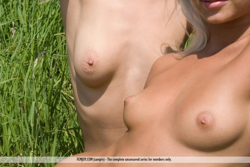 ramona-&-anju-river-nude-femjoy-10