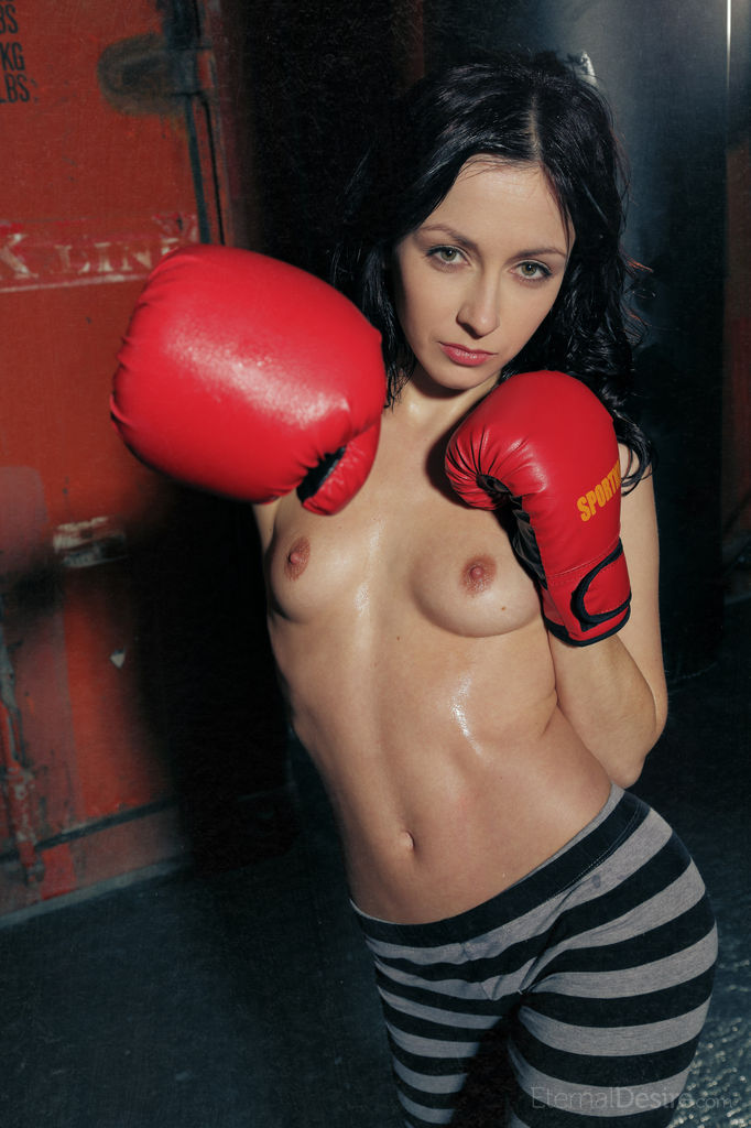 night-a-boxing-training-slim-body-eternaldesire-04