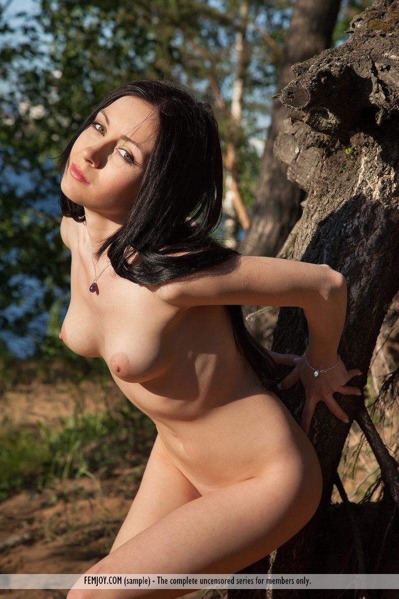 agatha-d-woods-brunette-nude-femjoy-12