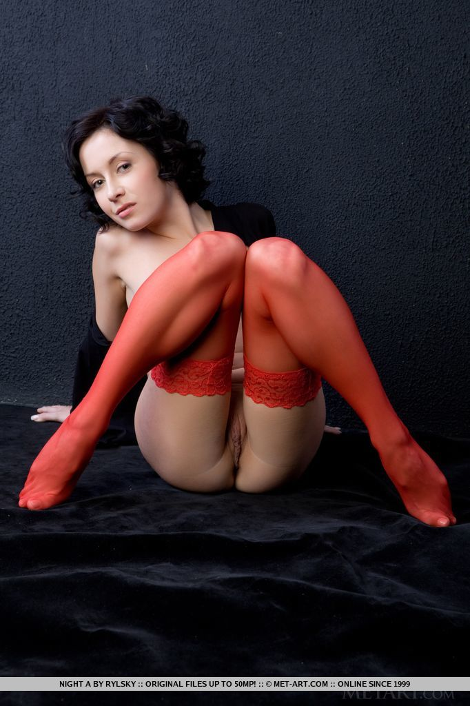 night-a-naked-red-stockings-metart-15