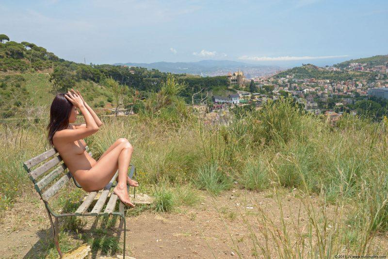 agnes-b-barcelona-nude-in-public-08