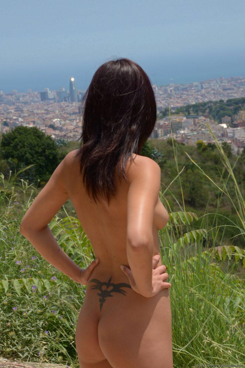 agnes-b-barcelona-nude-in-public-11