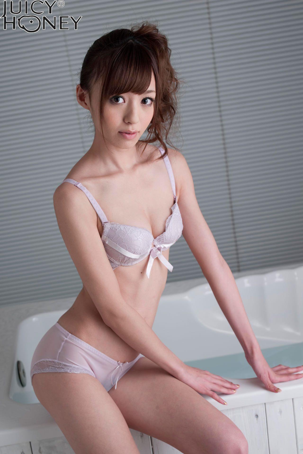 aino-kishi-shower-nude-bath-juicy-honey-17