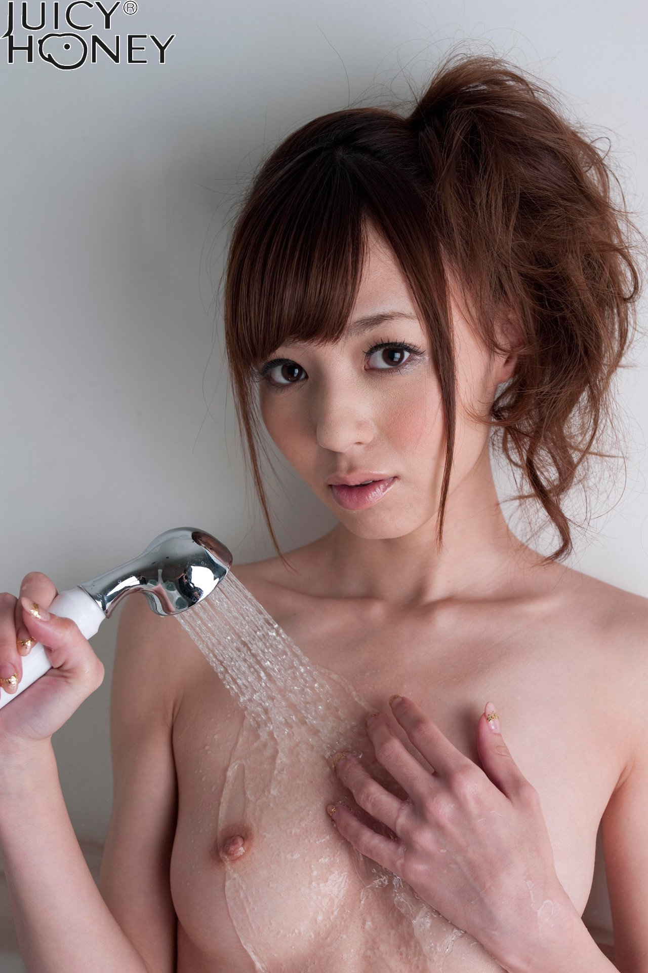 aino-kishi-shower-nude-bath-juicy-honey-22