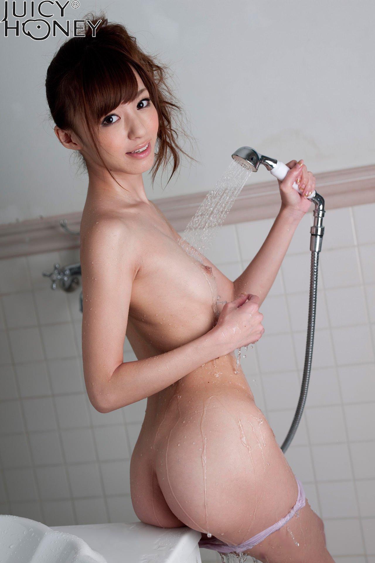 aino-kishi-shower-nude-bath-juicy-honey-30