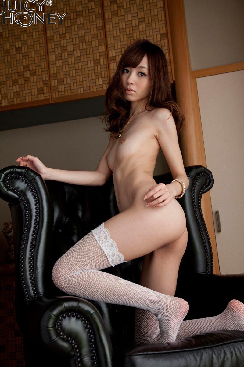 aino-kishi-white-stockings-juicy-honey-19
