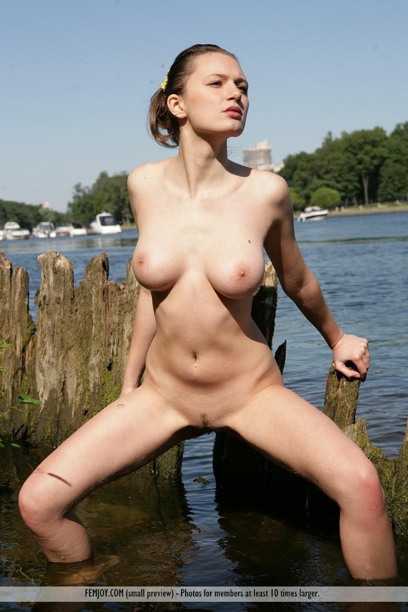 aisha-z-naked-river-femjoy-11