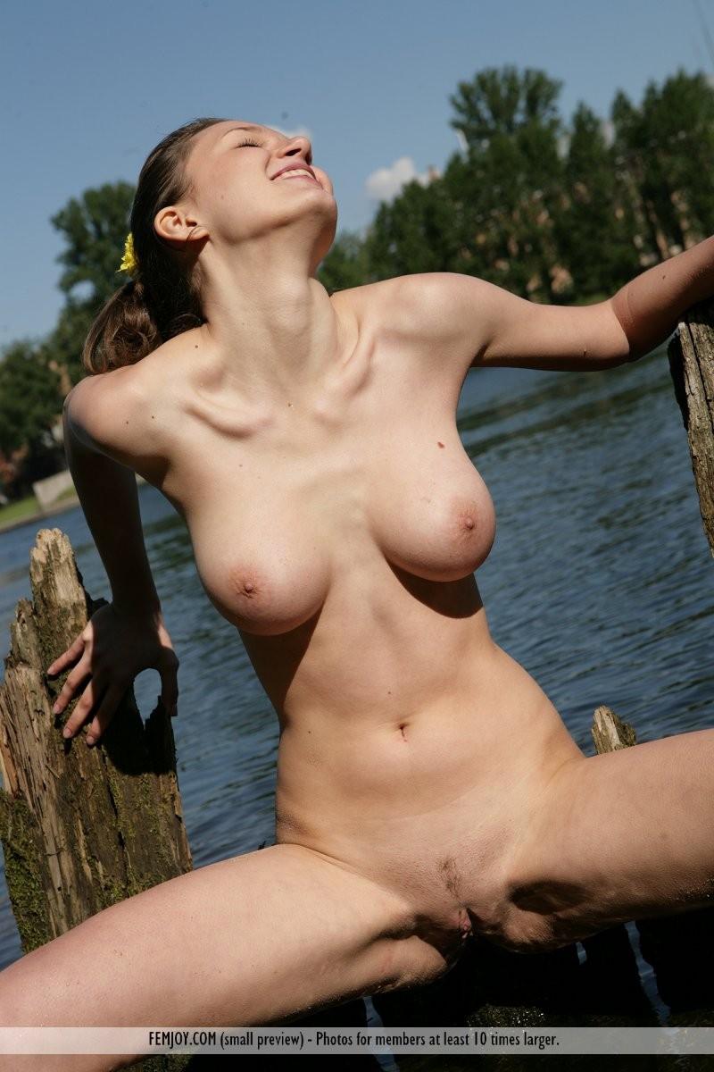 aisha-z-naked-river-femjoy-13