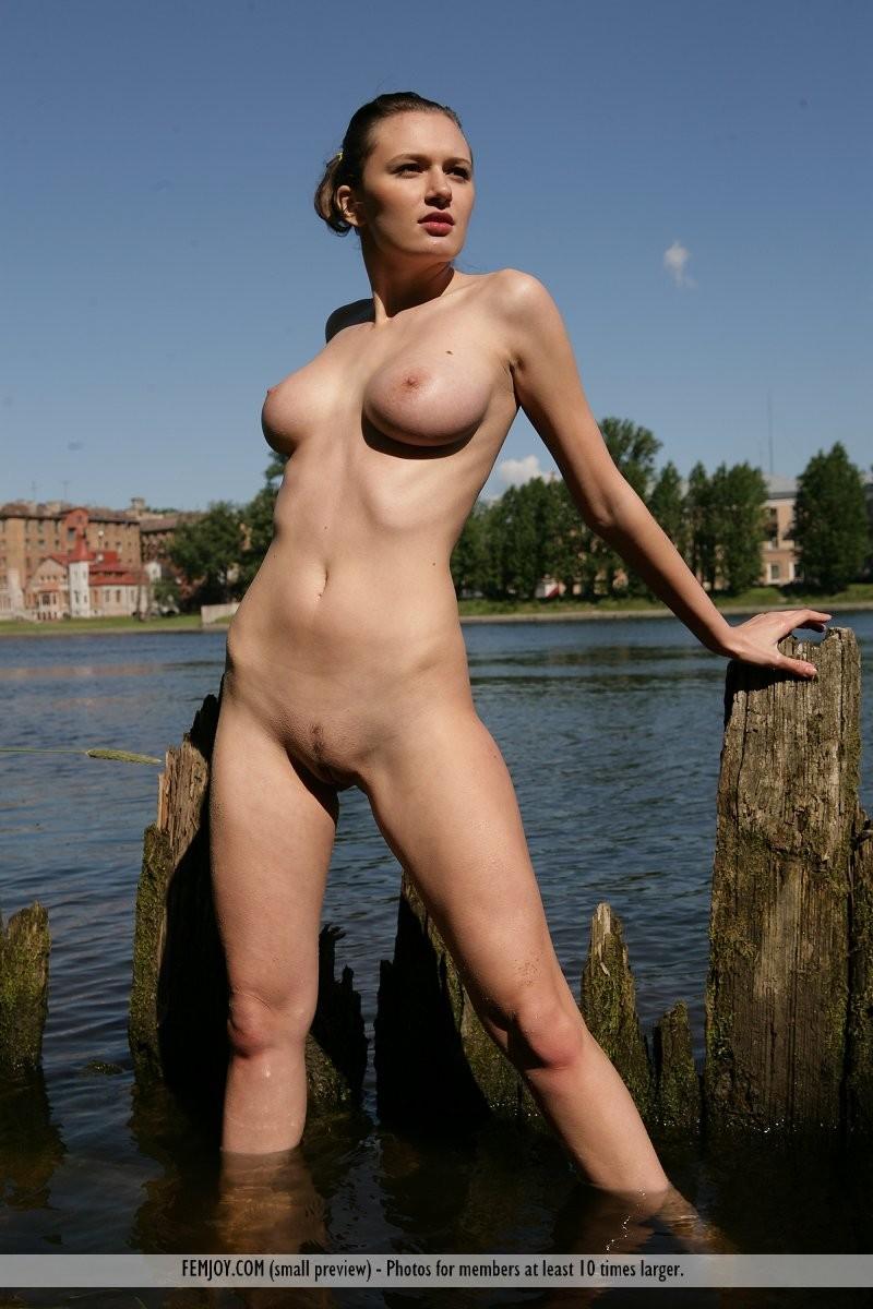 aisha-z-naked-river-femjoy-15
