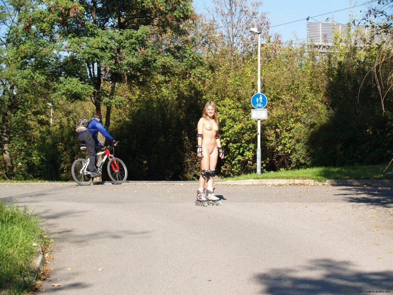 alene-roller-skating-nude-in-public-17