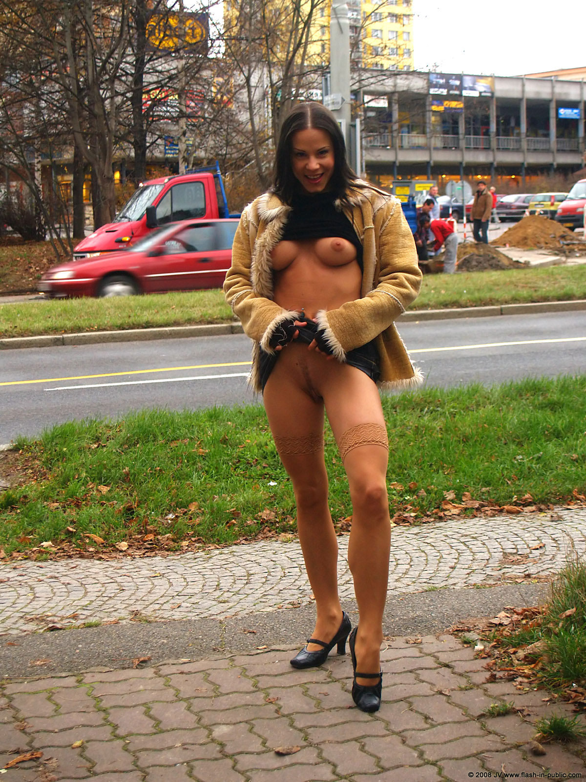 alexandra-g-bottomless-stockings-flash-in-public-15