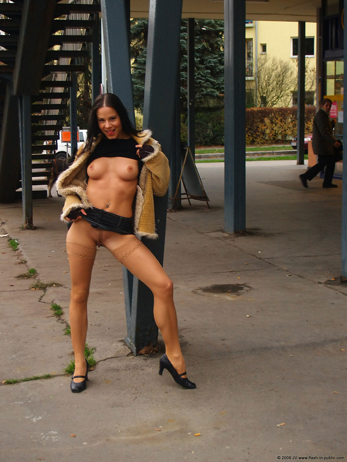 alexandra-g-bottomless-stockings-flash-in-public-20