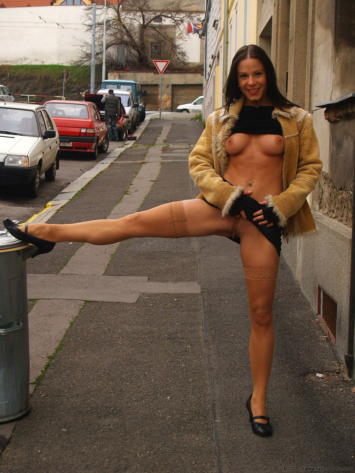 alexandra-g-bottomless-stockings-flash-in-public-30