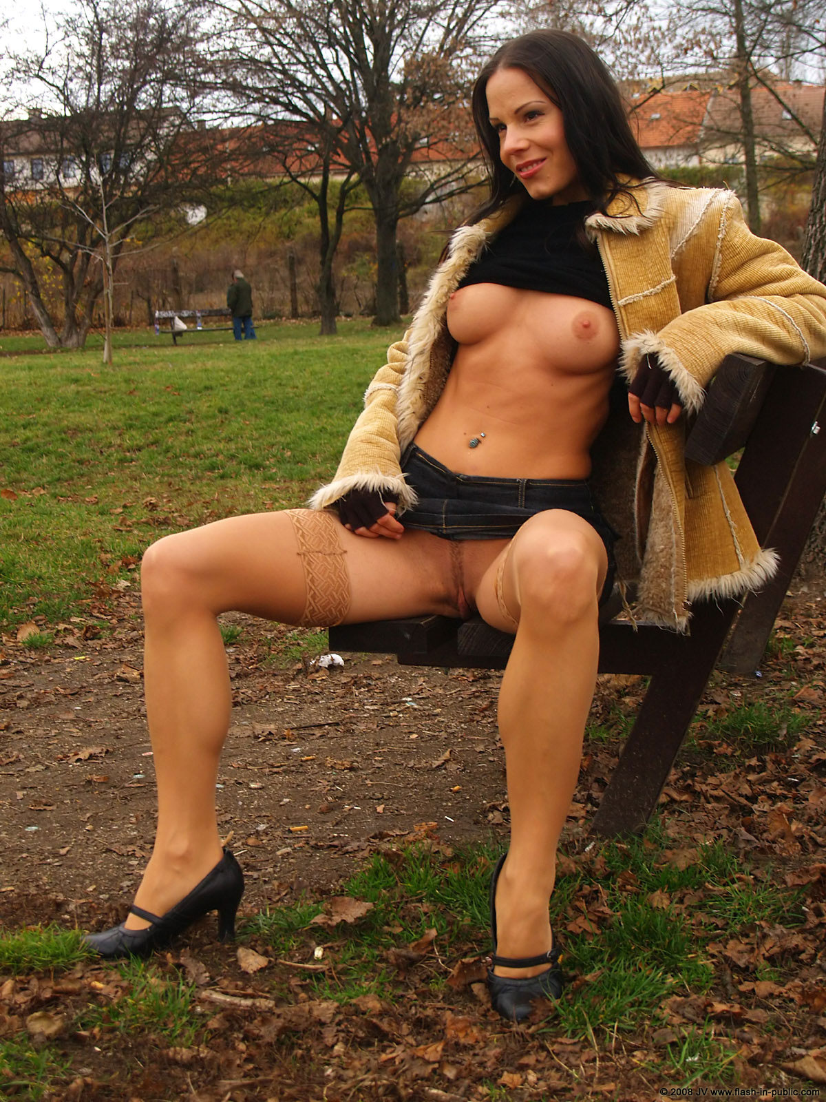 alexandra-g-bottomless-stockings-flash-in-public-33