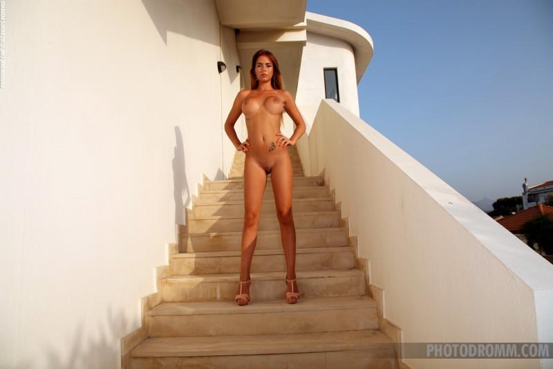 alexa-stairs-photodromm-11