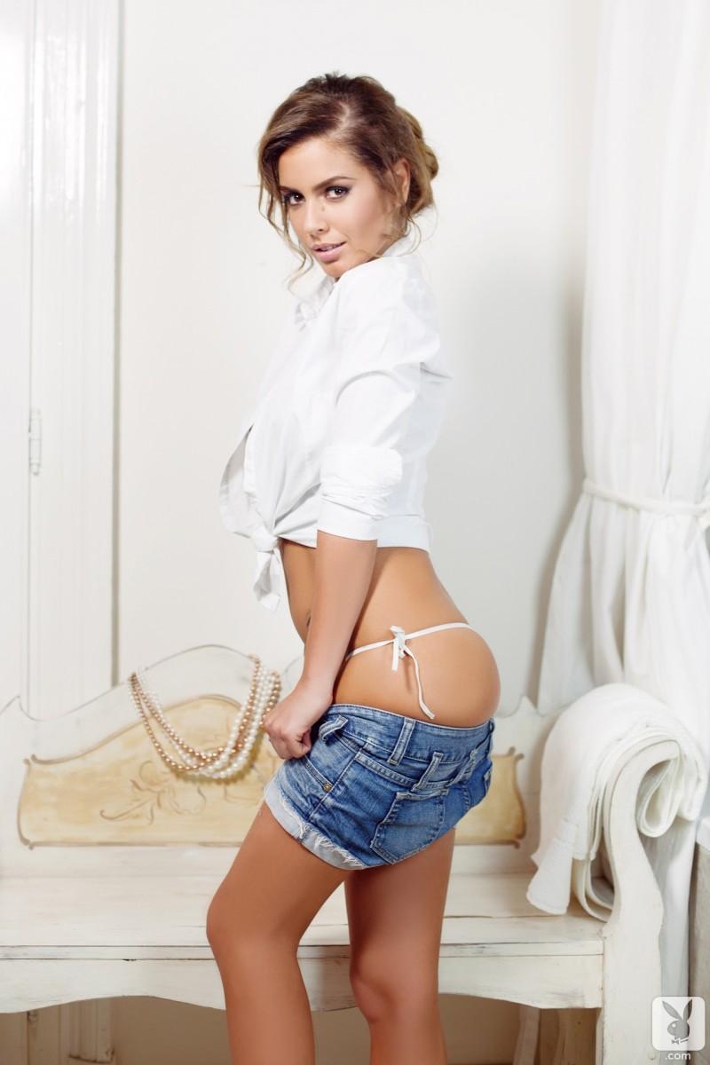 szandra-jeans-shorts-nude-playboy-04