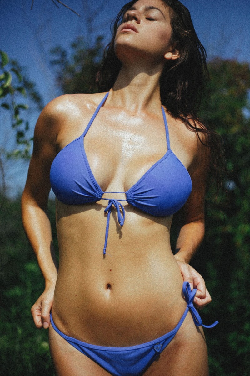 alexandra-bikini-by-cameron-davis-01