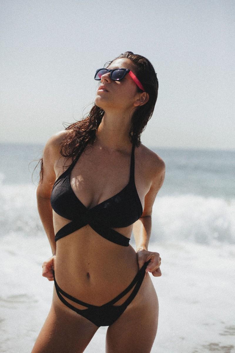 alexandra-bikini-by-cameron-davis-18