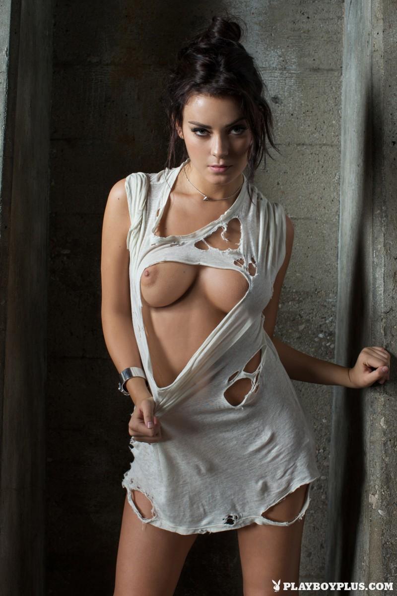 alexandra-tyler-brunette-naked-playboy-02