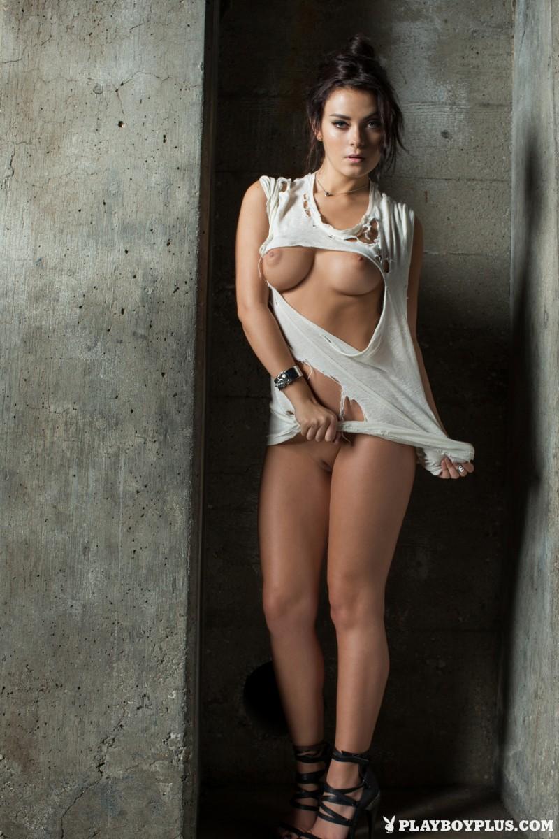 alexandra-tyler-brunette-naked-playboy-06