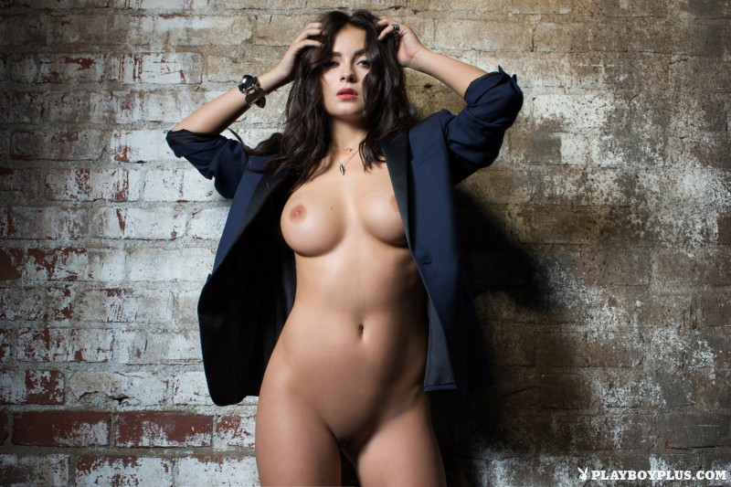 alexandra-tyler-brunette-naked-playboy-15