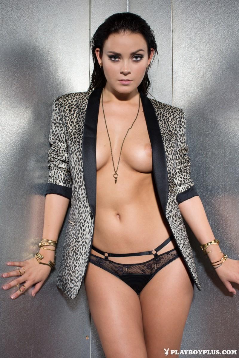 alexandra-tyler-brunette-naked-playboy-17