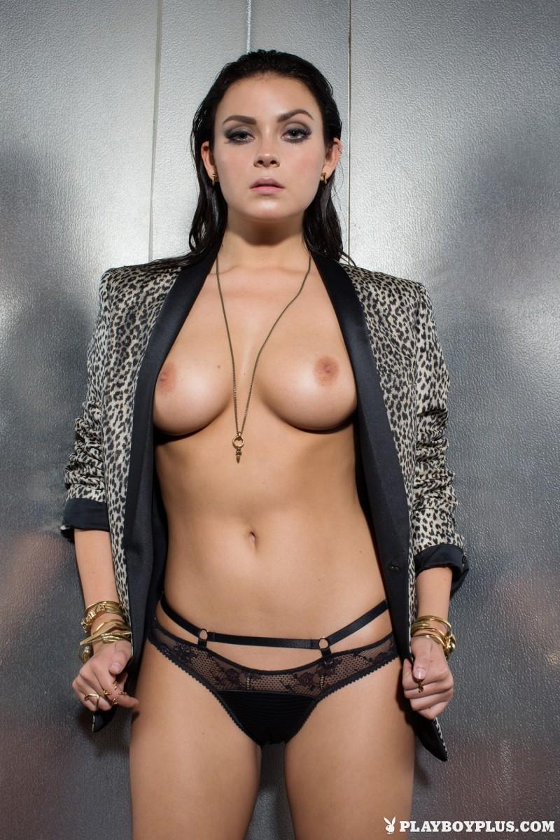 alexandra-tyler-brunette-naked-playboy-21