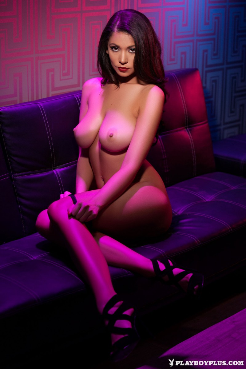 ali-rose-drink-club-naked-playboy-16