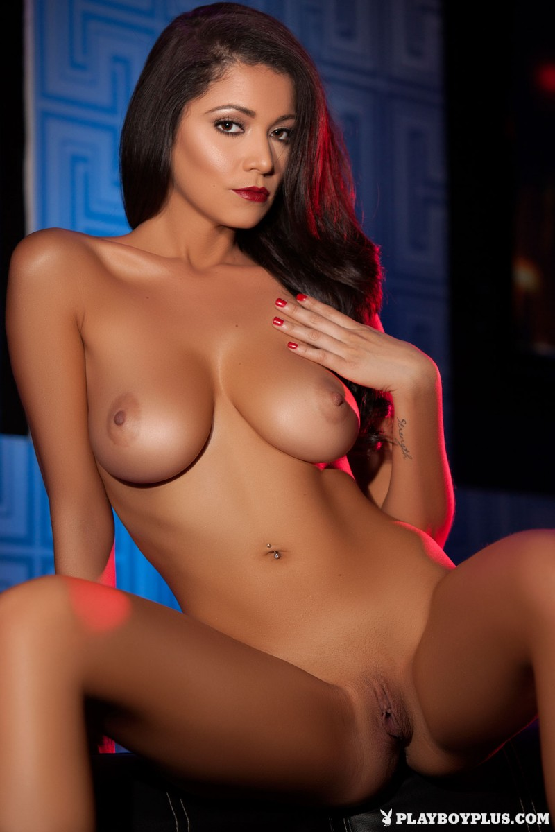 ali-rose-drink-club-naked-playboy-20