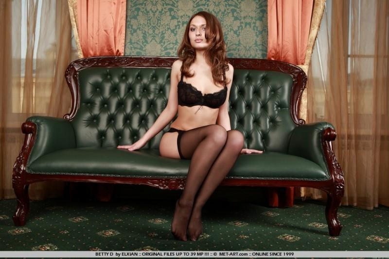 betty-d-nude-black-stockings-metart-01